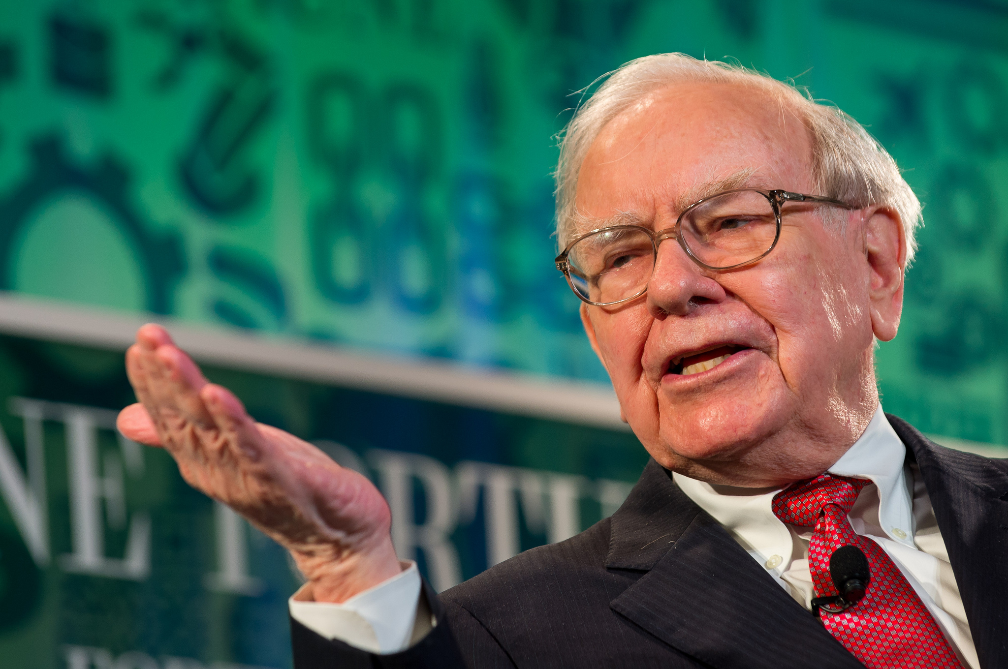 Berkshire Hathaway Shareholder Letters: 1977 to 2017